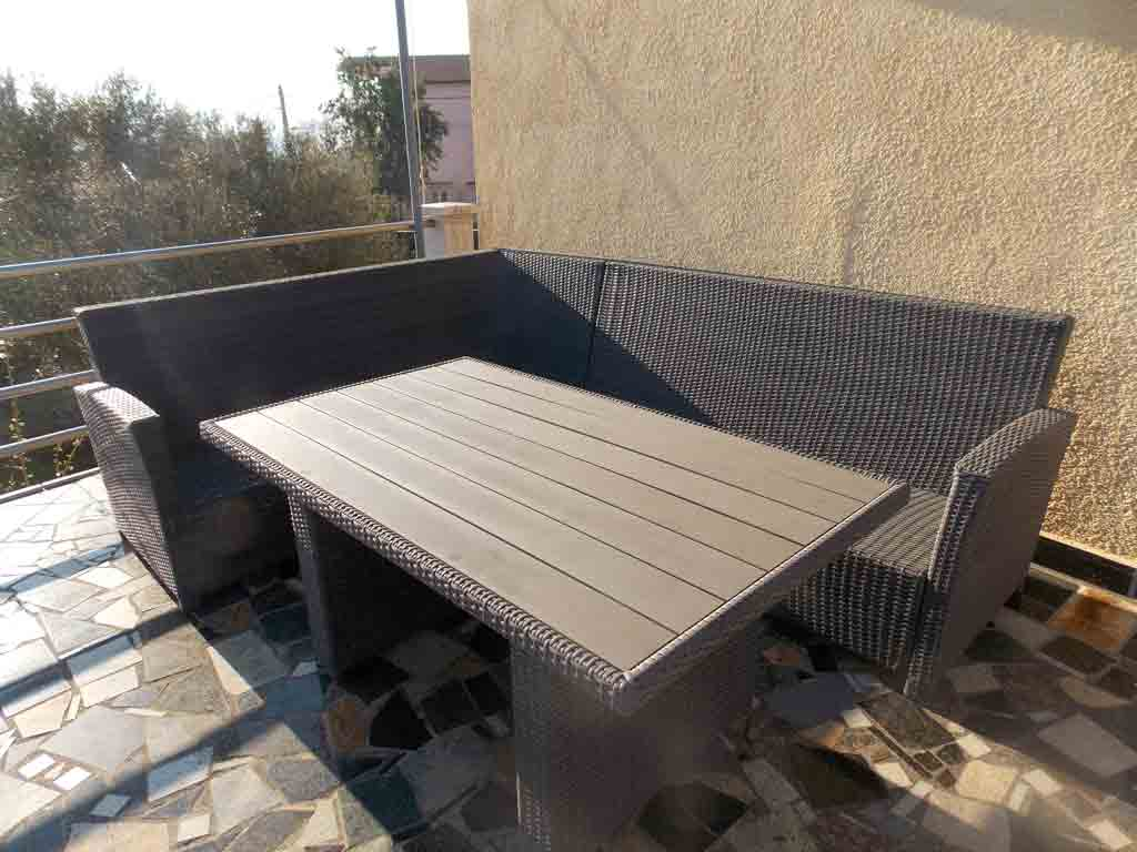 deutsch die neue lounge auf der oberen terrasse. Black Bedroom Furniture Sets. Home Design Ideas